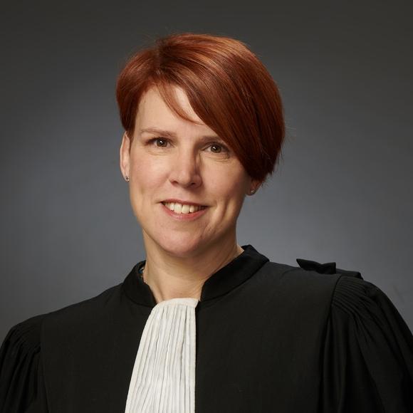 Maître Annie Heintzelmann