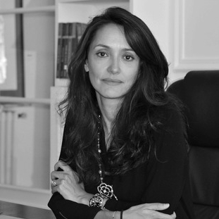 Maître Sandra Azria