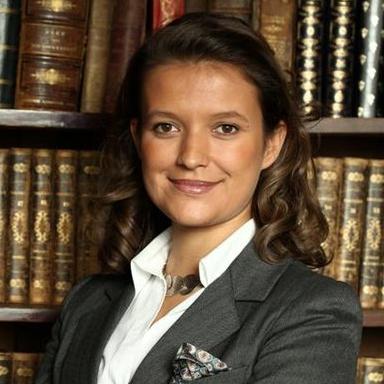 Maître Caroline Grima