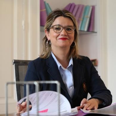 Maître Julie Menjoulou-Claverie