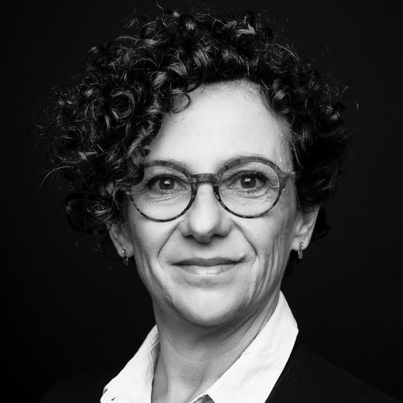 Maître Stephanie Caverot