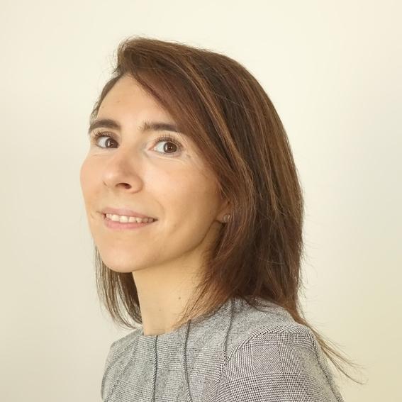 Maître Sandra De Barros