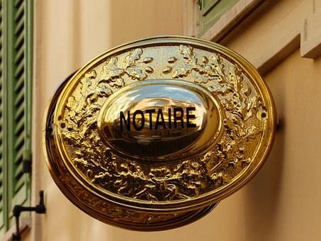 Vente d'un bien immobilier : rappel de l'obligation d'information et de conseil du notaire