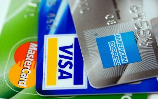 Curatelle : responsabilité du banquier pour avoir remis une carte bancaire au majeur protégé !