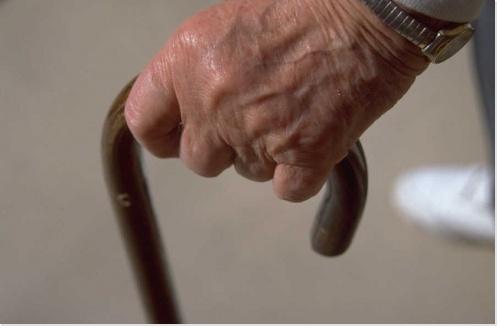 Aides à domicile : l'interdiction de percevoir des dons et legs est abrogée !