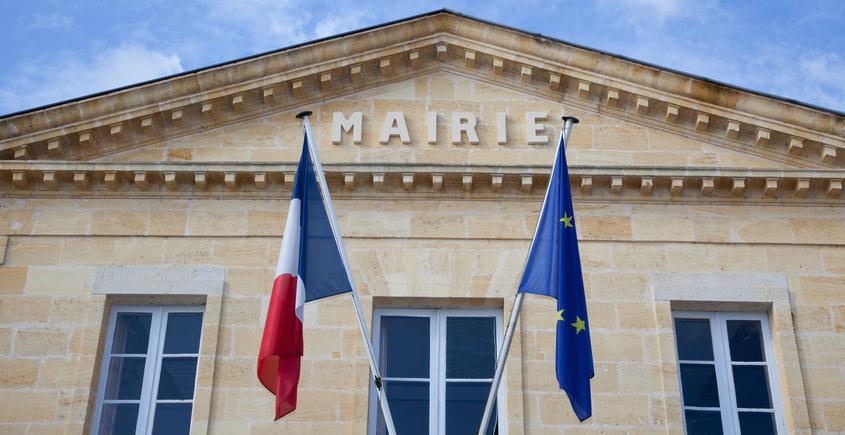 Conjoint de français étranger : comment demander un titre de séjour en France