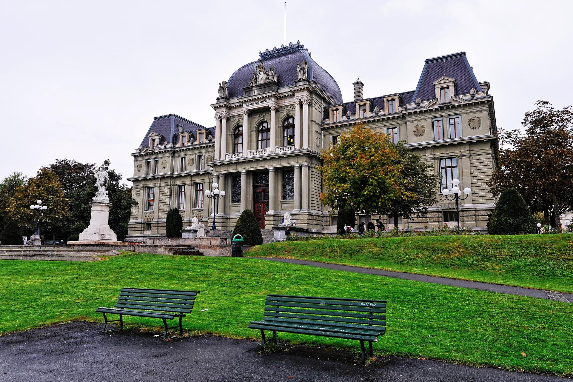 Attaquer la Préfecture devant le Tribunal administratif en responsabilité par un étranger