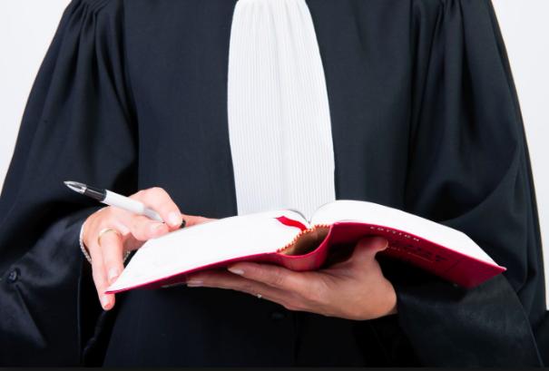 Jamais sans mon avocat ou presque...
