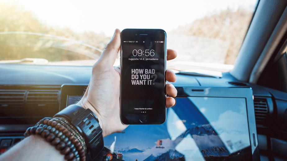 L'usage du téléphone au volant peut entraîner la suspension du permis de conduire