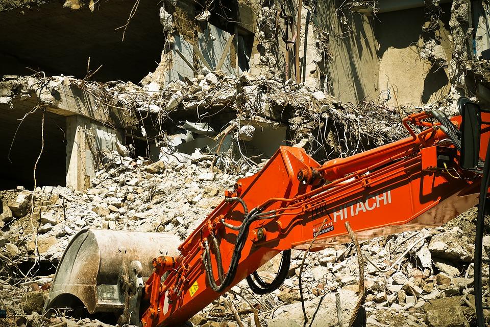 Quelle application de la « présomption » d'urgence à suspendre l'exécution d'un permis de construire ?