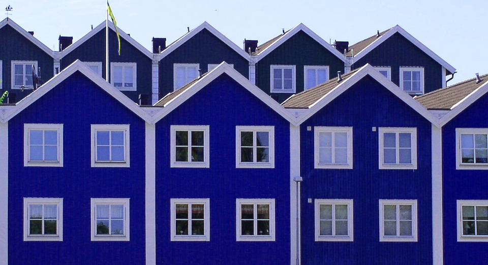 Recours contre un permis de construire : « le voisin immédiat justifie, en principe, d'un intérêt à agir »