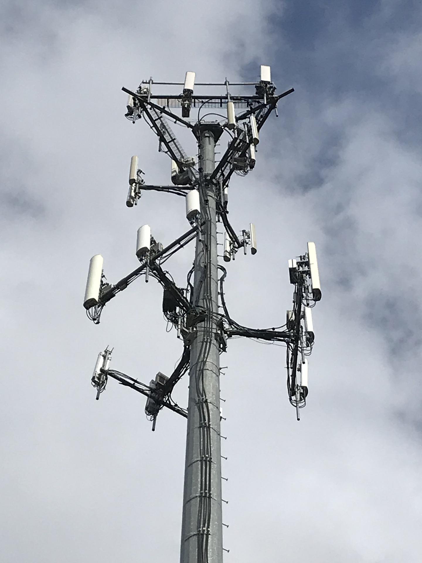 Recours contre un projet d'antenne-relais: Comment s'apprécie l'urgence lors d'une procédure en référé suspension ?