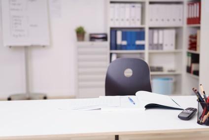 L'abandon de poste en droit du travail : pour ou contre ?