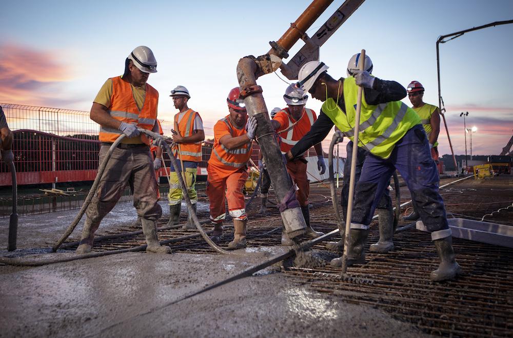 Un marché public de travaux peut contenir des clauses d'interprétariat
