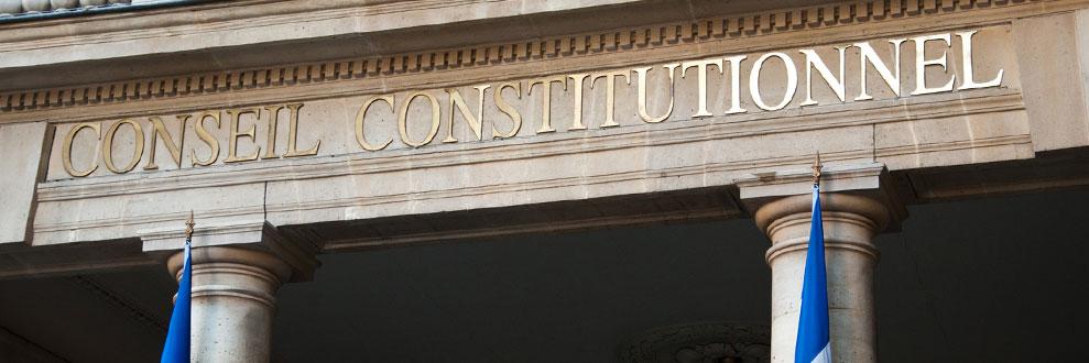 L'amendement Charasse dans sa version résultant de la loi 2007-1824 du 25 décembre 2007 est conforme à la Constitution.