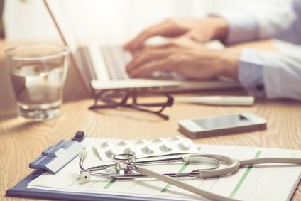 Un décès chez le médecin du travail peut-il être considéré comme un accident du travail ?