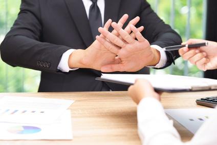 Le refus d'un salarié de modifier son contrat de travail donne-t-il lieu à un licenciement pour cause réelle et sérieuse ?