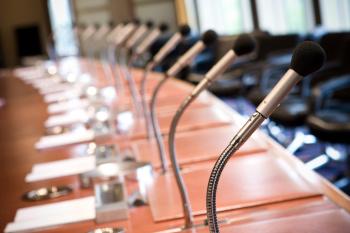 Interdiction de gérer : elle ne concerne pas les membres du conseil de surveillance d'une SA