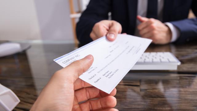 Restitution au locataire des sommes versées à titre de provisions pour charges