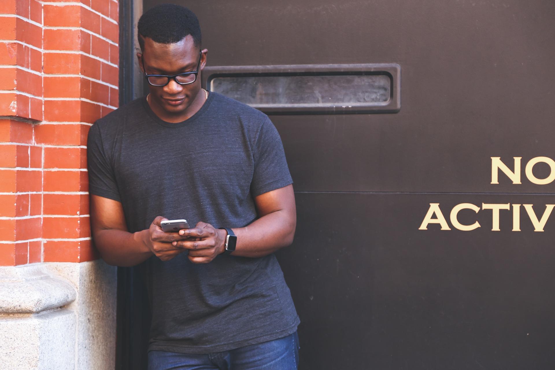Heures sup : employeurs, surveillez les factures de téléphone de vos salariés…