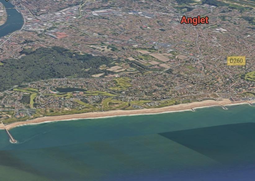 CAA Bordeaux 15 octobre 2019 Commune d'Anglet (n° 18BX00302) – Loi littoral et bande de cent mètres – pas de dérogation pour une construction destinée à accueillir des activités de formation en secourisme côtier et de handi surf