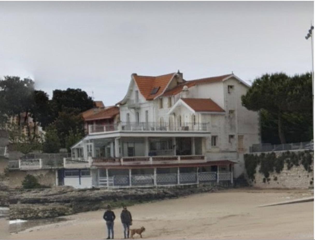 Littoral - un restaurant de plage peut être qualifié d'installation liée aux pratiques balnéaires