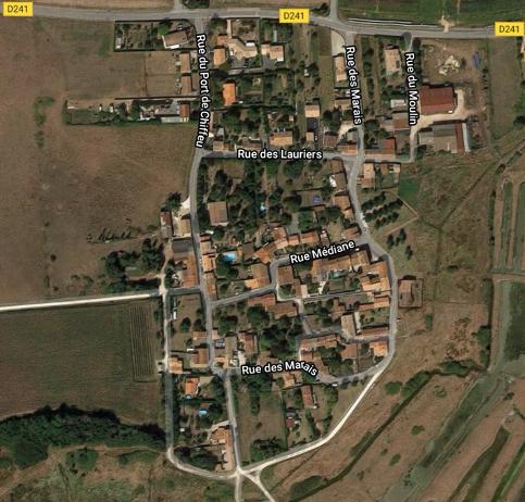 Jurisprudence cabinet - Le lieu-dit de Mauzac à Saint-Just-Luzac constitue un village (L. 121-8)