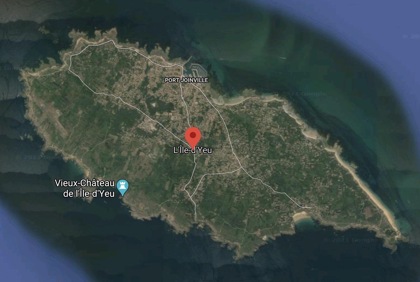 Réflexions juridiques sur une annexe royale à l'île d'Yeu