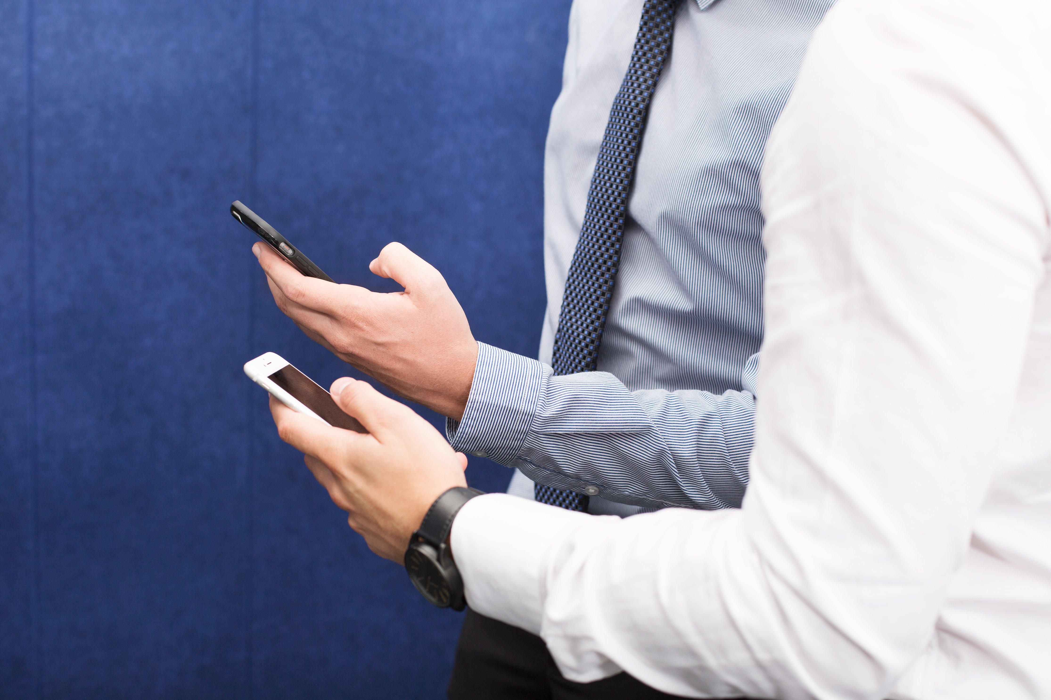 Vous utilisez les réseaux sociaux pendant votre temps de travail ?