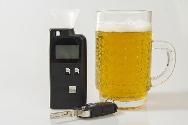 Circulation routière : Les juridictions doivent prendre en compte la marge d'erreur de 8 % dans la mesure du taux d'alcoolémie.