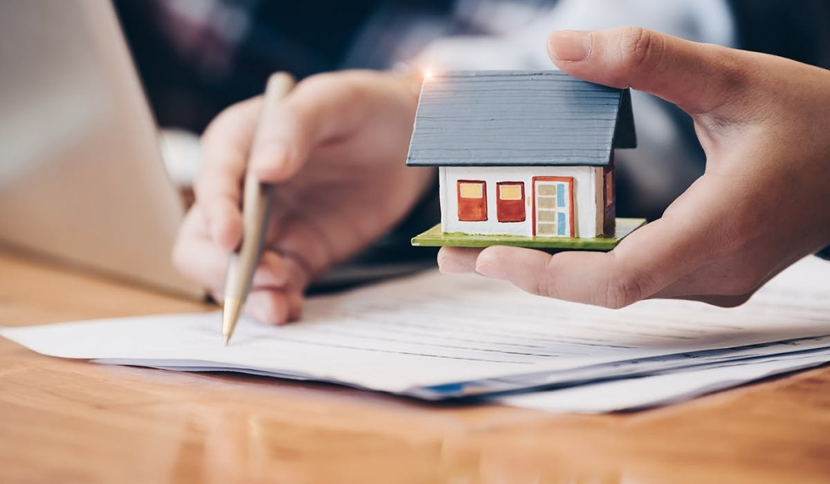 Contrat de construction de maison individuelle : attention à la propriété du terrain