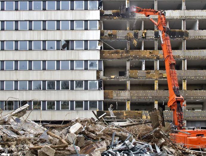 Obtenir la démolition d'un ouvrage public mal implanté : mode d'emploi